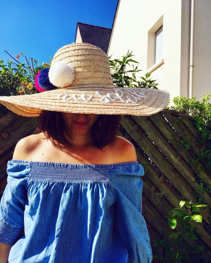 OOTD épaules dénudées et son chapeau