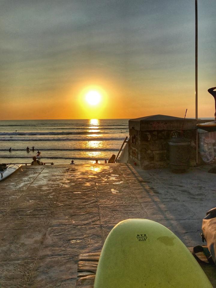 Les essentiels pour une session surf en été🏄🏻♀️